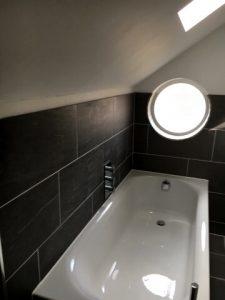 Bathroom idea with a tub - Flawless Kitchen & Bathrooms